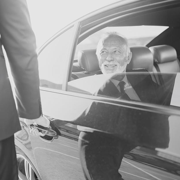Man with chauffeur_180354803 Low Contrast_RGB 624x624